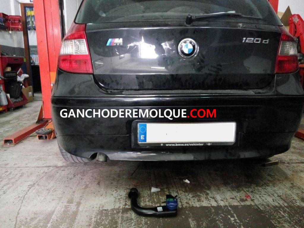 ENGANCHE EXTRAIBLE VERTICAL INVISIBLE BMW SERIE 1 E87 WWW.GANCHODEREMOLQUE.COM 2